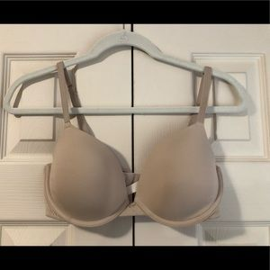 VS Pink lightly lined bra